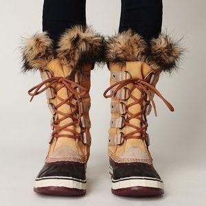 Sorel Joan of Artic fur boots